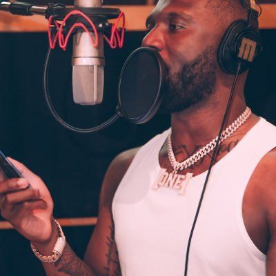"""Headie One returns with the Visuals for His Latest Single, """"Pound Signs"""""""