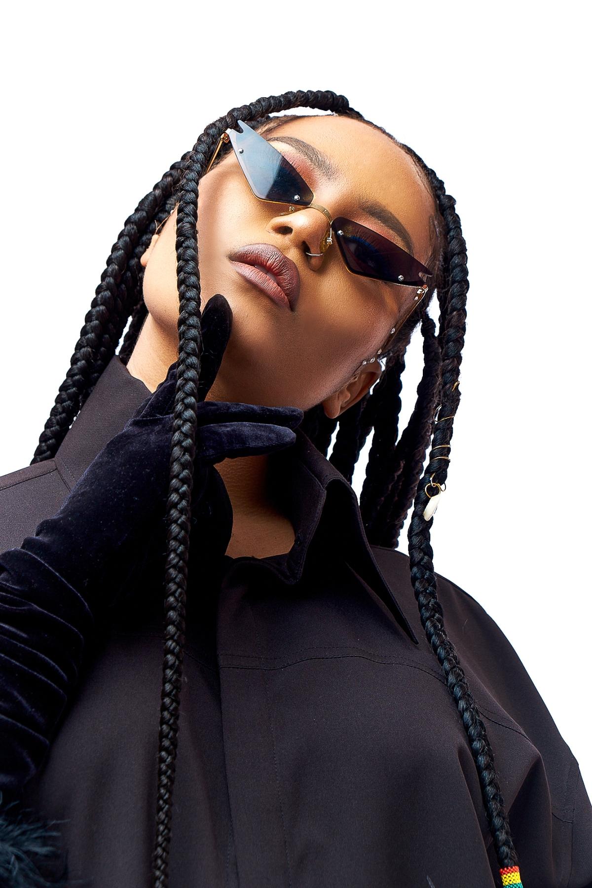 "Ghanian Wonder Girl, Moliy Releases the Stunning Visuals for Her Single, ""Ghana Bop"""