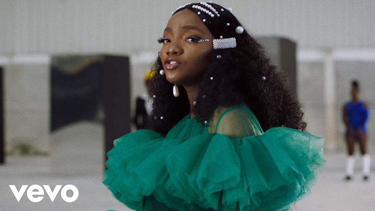 """Simi Shares Exciting New Visuals for Latest Single, """"Woman"""""""